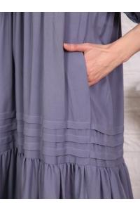 Платье однотонное с защипами серое
