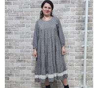 Платье с кружевом серое в мелкий цветок