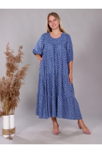Платье повседневное в пол ярусами, с цветочным принтом на голубом фоне