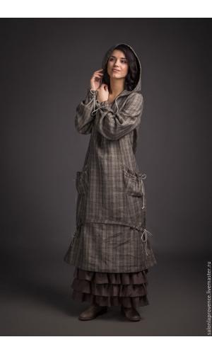 Платье в клетку с капюшоном