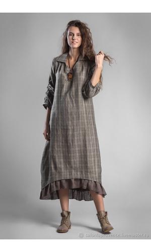 Платье с воротником и оборкой