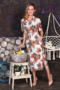 Платье-рубашка светлое с листьями